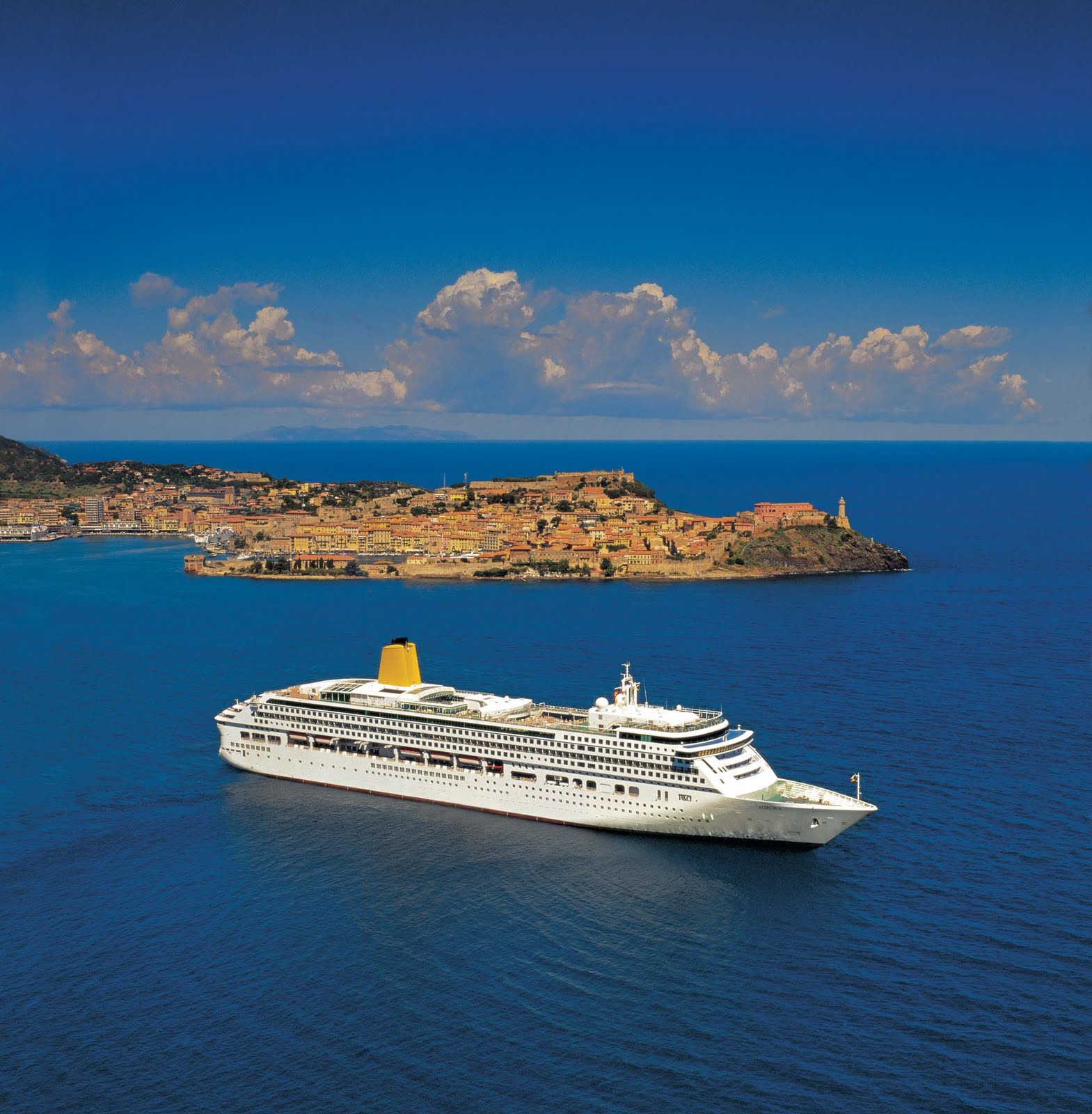Cruises that take you on adventures to the south of france for Best cruise to take